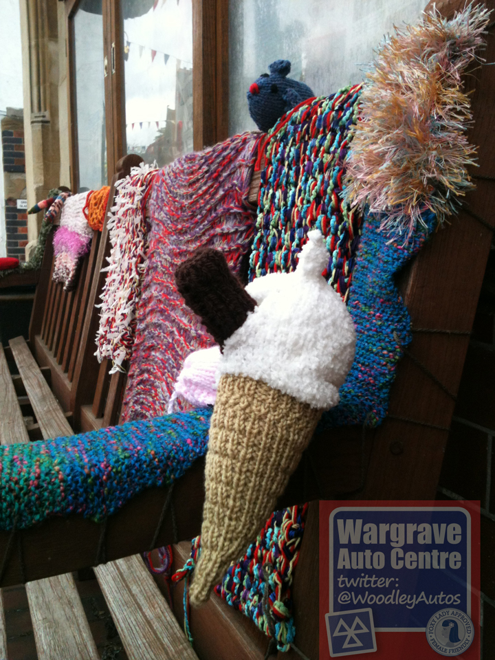 YARN BOMBING IN WARGRAVE