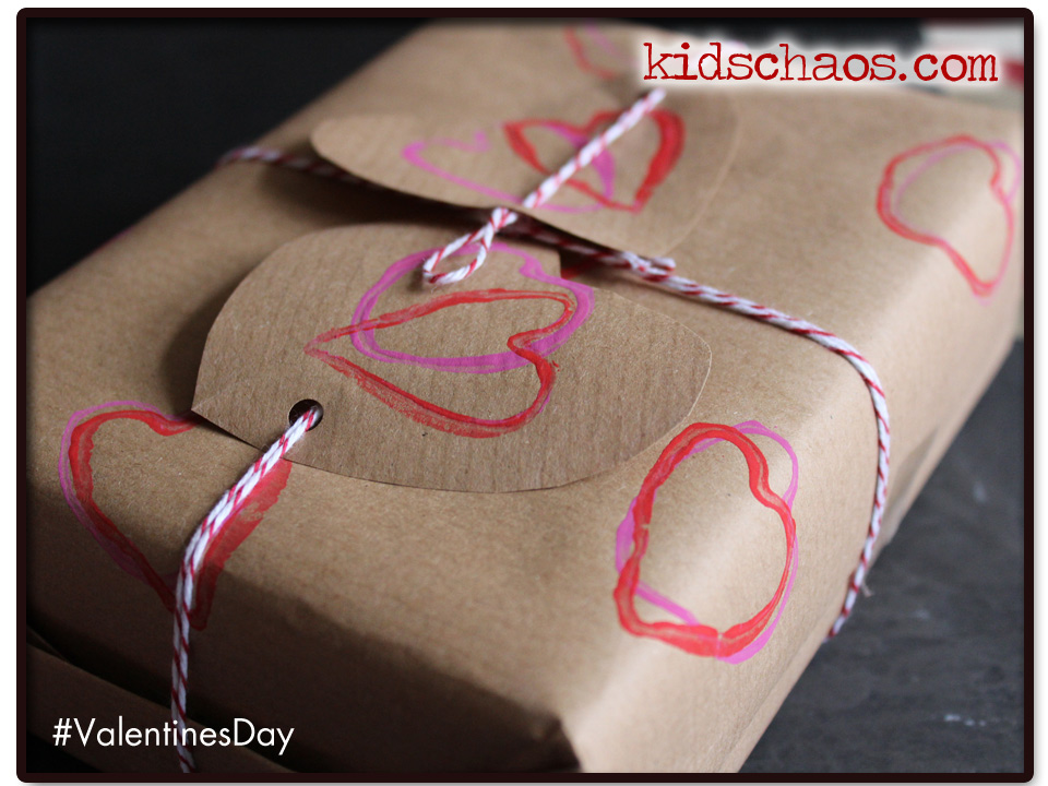 heart print wrapping paper