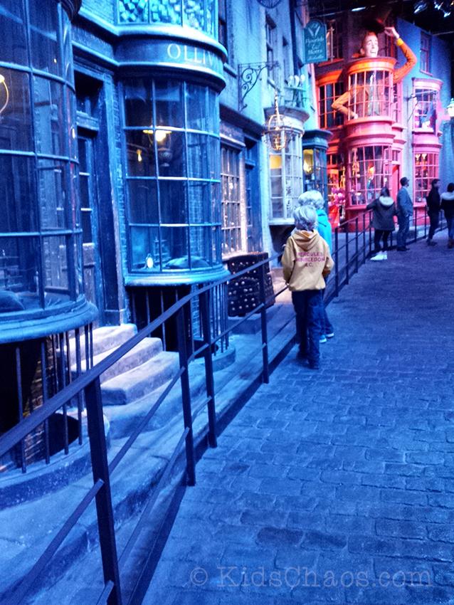 Harry-Potter-Warner-Studios-2-KidsChaos